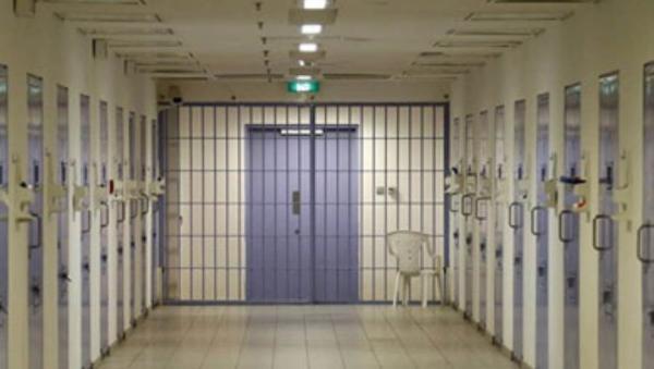 السجن 6 أشهر لأسترالي خرق الحجر الصحي لرؤية صديقته