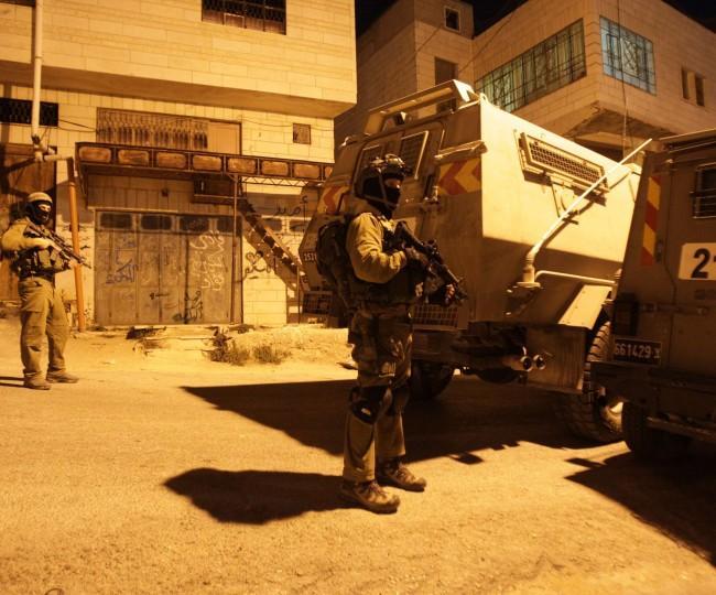 قوات الاحتلال تقتحم منازل المواطنين في بيت لحم