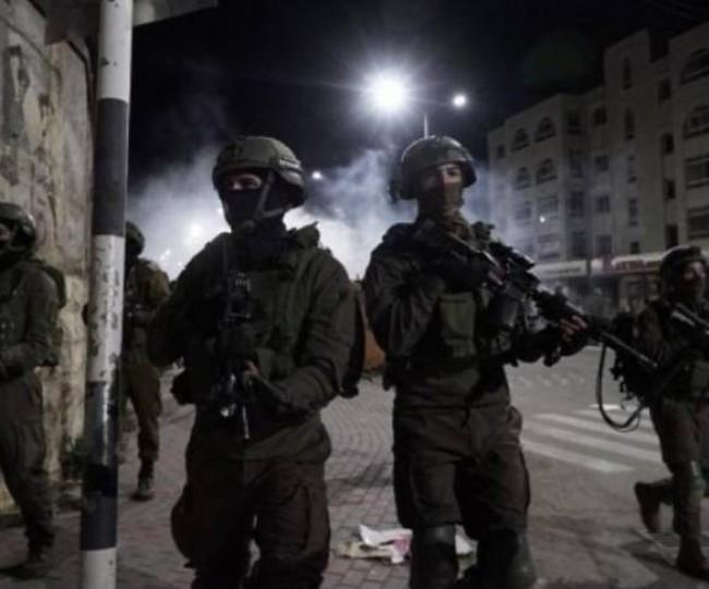الاحتلال يصيب شقيقين ويعتقلهما في مخيم جنين