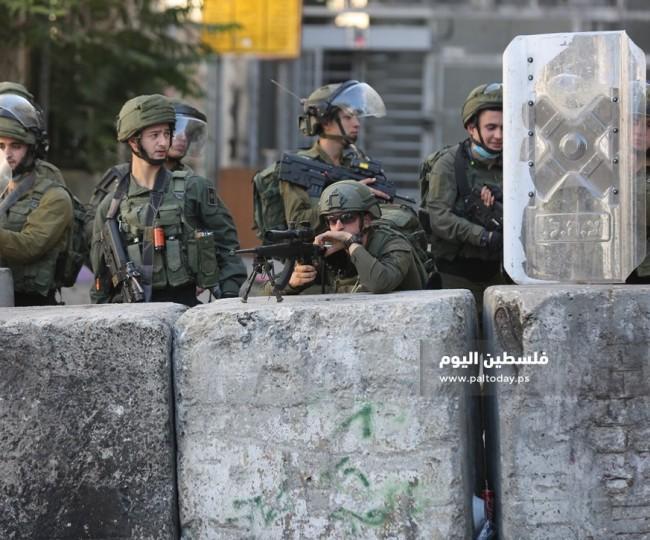 مواجهات بين شبان فلسطينيين و قوات العدو بالخليل