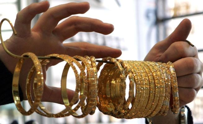 انخفاض أسعار الذهب محلياً 40 قرشاً