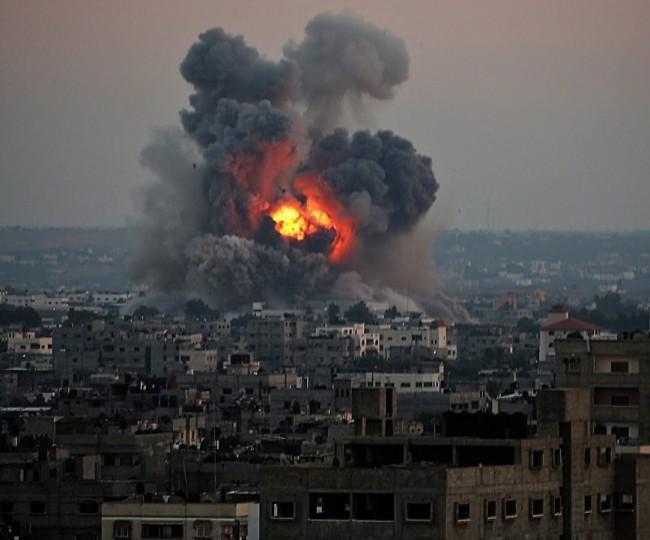 يديعوت: جيش الاحتلال واجه الليلة حادثتين خطيرتين خلال قصف غزة