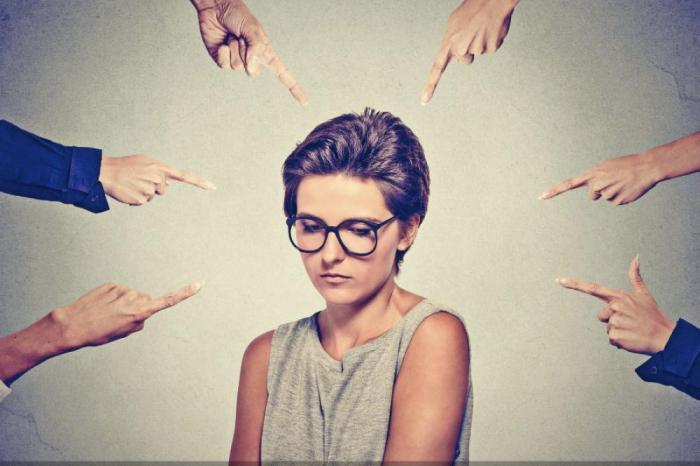 نظرة المجتمعات للمرأة المطلقة وظلمها من المجتمع