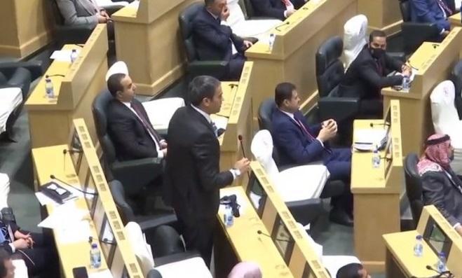 أعضاء مجلس النواب التاسع عشر يؤدون القسم الدستوري