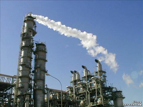 خبراء ينتقدون اهتراء مصفاة البترول