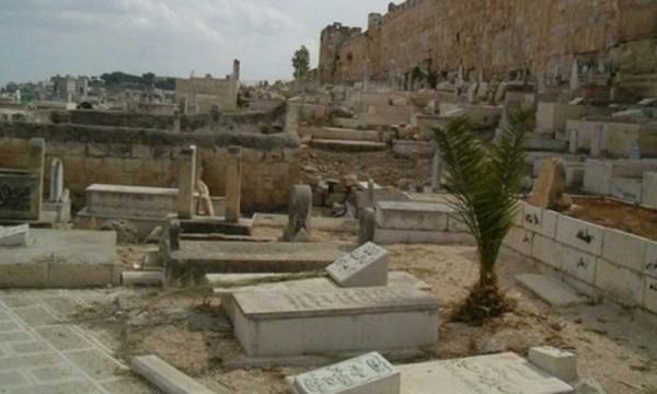 استهداف مقبرة اليوسفية.. تهويد للهوية والتاريخ