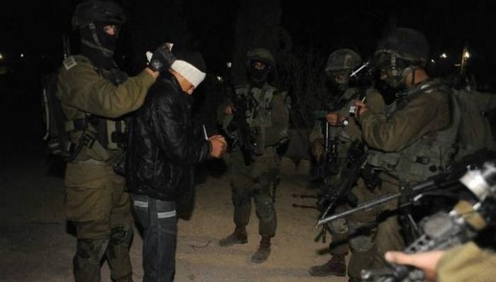 الاحتلال يعتقل 11 مواطناً من الضفة الغربية