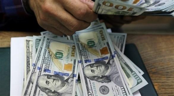 الدولار يتراجع مع تعزيز التفاؤل بشأن العملات العالية المخاطر