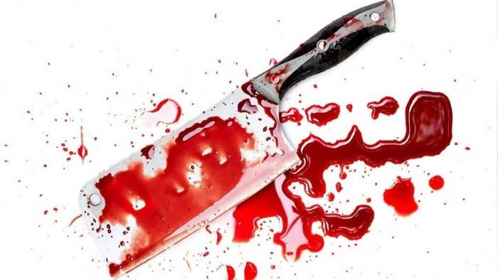شق رأس زوجته بساطور وقطع أصابعها!