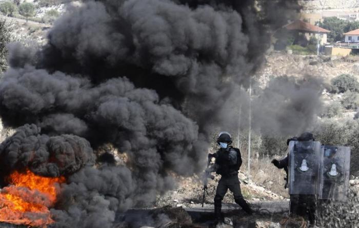 اصابات بين مواطنين خلال مواجهات و اقتحامات واسعة في الضفة