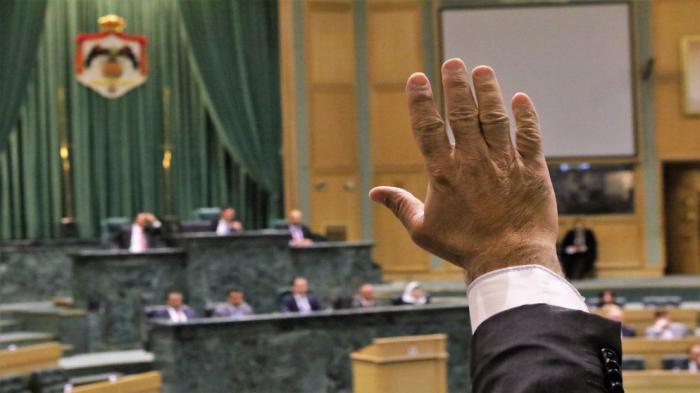 نائب يغادر المجلس لمعرفة إصابته بكورونا