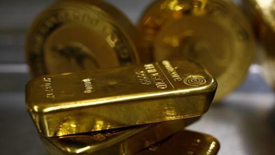 ارتفاع الذهب مع تراجع الدولار