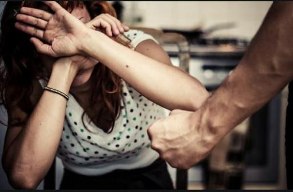 شاهد: فنانة مصرية تروي قصة تعرضها للتحرش الجسدي.. من هي ؟