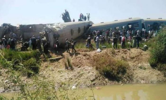 مصر.. قتلى وجرحى بتصادم قطارين في سوهاج (فيديو وصور)