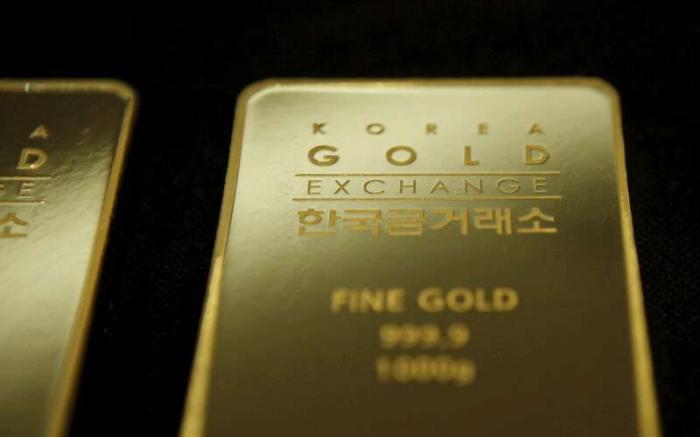 الذهب يصعد مع زيادة الإقبال بفعل انخفاض الدولار