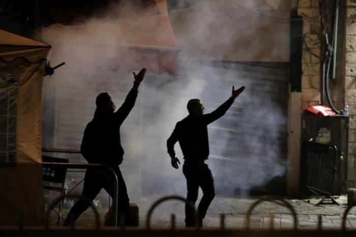 الفلسطينيون ينتفضون في وجه الاحتلال