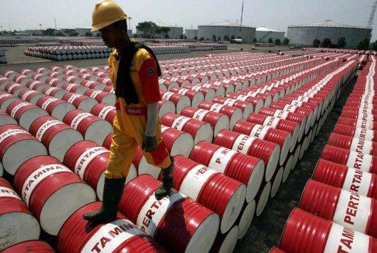 النفط يهبط مع تزايد مخاوف الطلب بفعل أزمة الهند