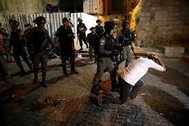 تجدد مواجهات القدس والأعتداء على مصلين في باب العامود