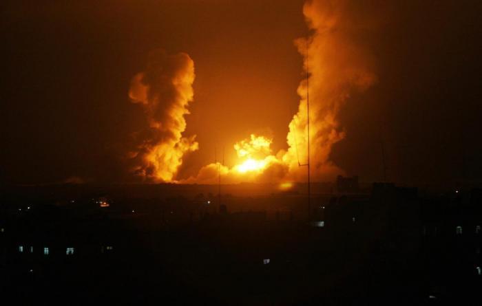 الاحتلال يقصف غزة جواً وبراً والمقاومة تدك المستوطنات بالصواريخ