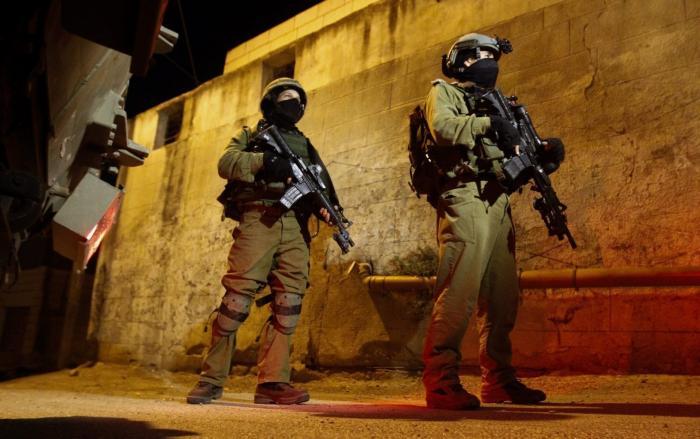 مواجهات ومداهمات واعتقالات واسعة في الضفة والقدس