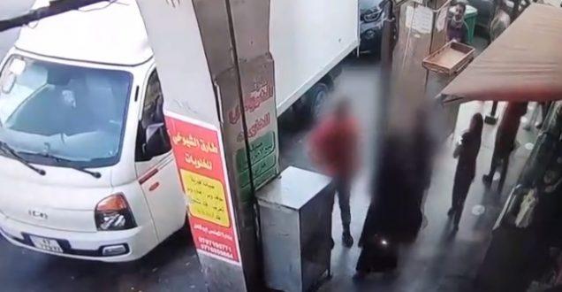 التسول في وسط البلد .. مكر وخداع واعتداء على المواطنين