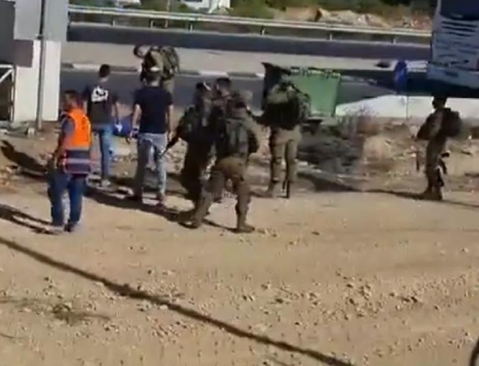 قوات الاحتلال تطلق النار على شاب فلسطين