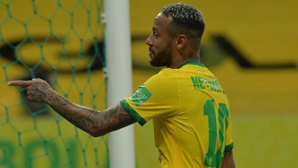 نيمار بحزن: جماهير البرازيل لا تحترمني