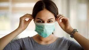الصحة تدرس إلغاء الكمامة في الأماكن المفتوحة