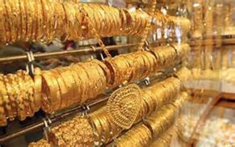 الذهب ينخفض دينارا بأسبوعين