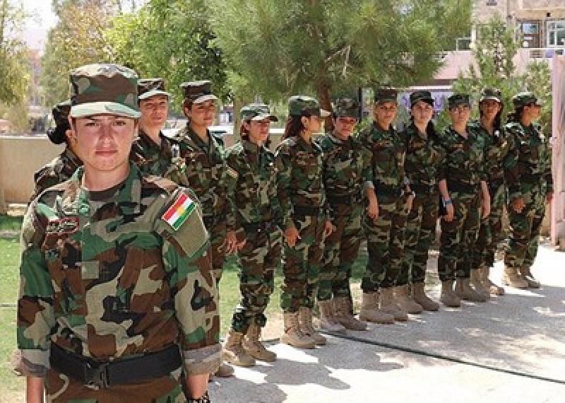 بالصور.. الفتيات ضحايا الاغتصاب الداعشي يشكلن كتيبة عسكرية للانتقام منهم