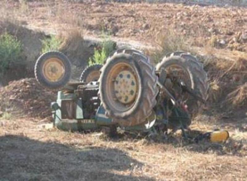 وفاة وإصابة اثر تدهور (آلية زراعية ) في محافظة المفرق