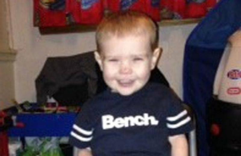 اتهِم الطفل بقتل الرضيع زوراً لكنه فضح كل شيء أمام المحكمة!