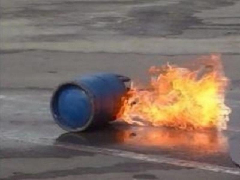 مشاجرة في عمان وأحد المشاركين يشعل إسطوانة غاز بهدف تفجيرها والأمن يتدخل