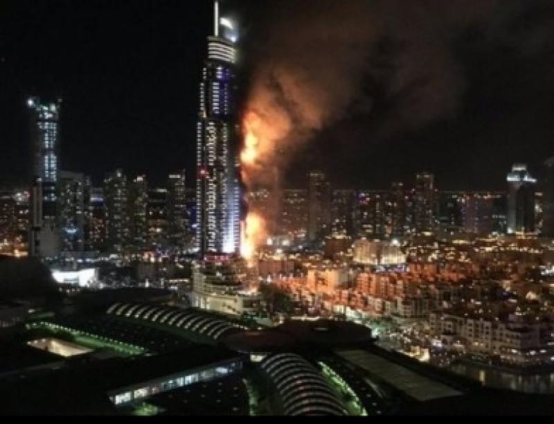 كيف انتشرت النيران في 40 طابقاً بفندق دبي في 5 دقائق؟