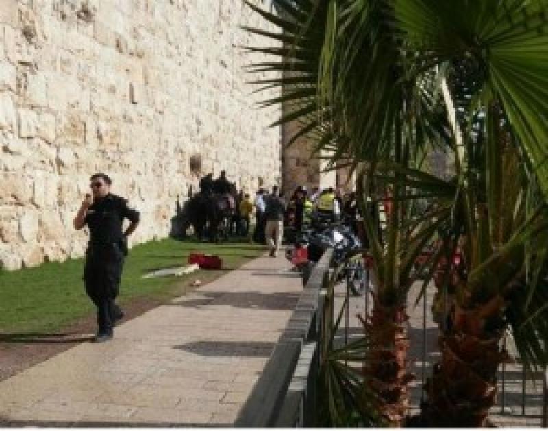 استشهاد فلسطيني وإصابة آخر وطعن 3 مستوطنين بالقدس
