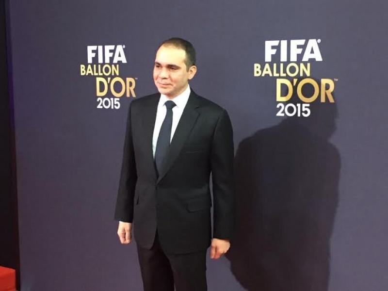 الأمير علي يحضر حفل الكرة الذهبية ويلتقي رئيس الاتحاد البولندي