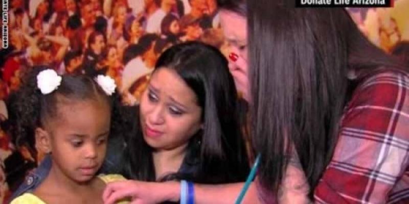 بالفيديو .. أم تبرعت بقلب ابنها المتوفى وعادت بعد سنتين لسماع دقات قلبه
