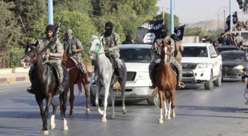 هكذا يعاقب 'داعش' من يُضبط على جواله 'افلاماً إباحية'