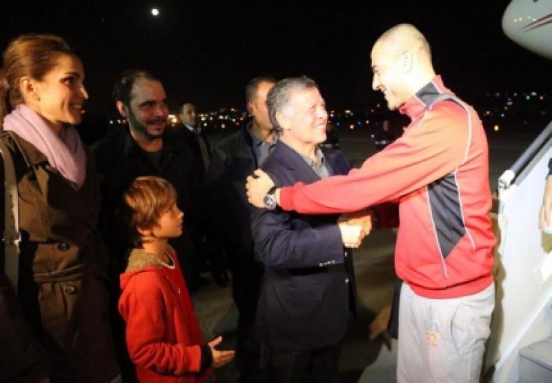 هذه حقيقة رسالة جلالة الملكة رانيا لحارس مرمى المنتخب شفيع !!