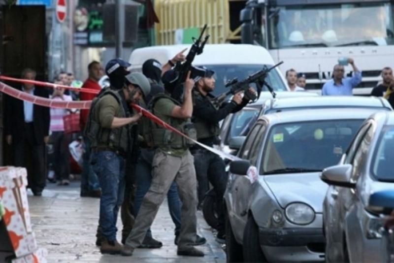 حاخام إسرائيل الرئيسي يصدر فتوى بقتل حاملي السكاكين