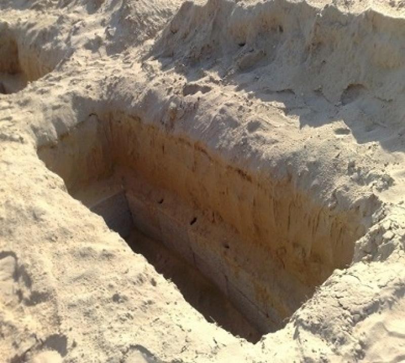 تعطل مشروع سكني بسبب قبور