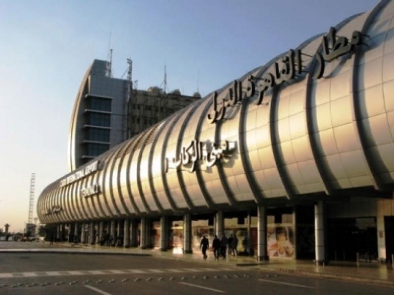 مطار القاهرة ... ضبط راكب حاول تهريب 1.3 مليون دينار للاردن