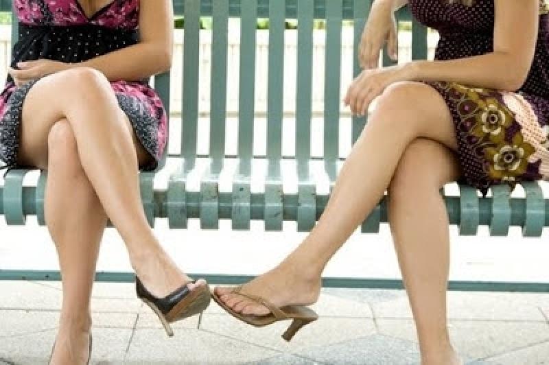 ماهي أضرار الجلوس في وضعية ساق على ساق ؟