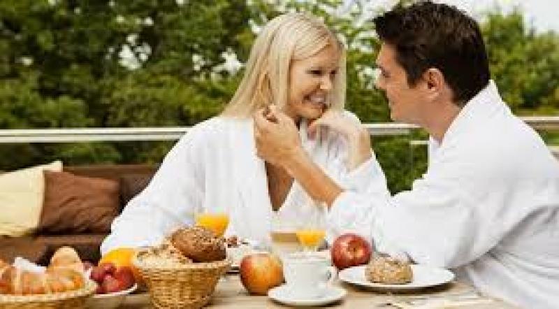 5 أطعمة بسيطة تزيد من الرغبة الجنسية للرجال بشكل ملحوظ