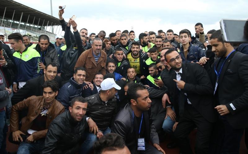 الأولمبي الفلسطيني يواجه الجزائر في مباراة بطابع تاريخي