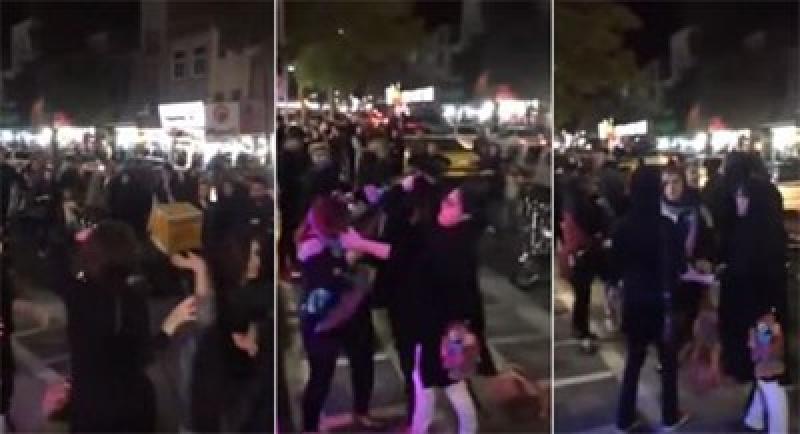 بالفيديو.. مشاجرة عنيفة بين فتيات في الشارع..
