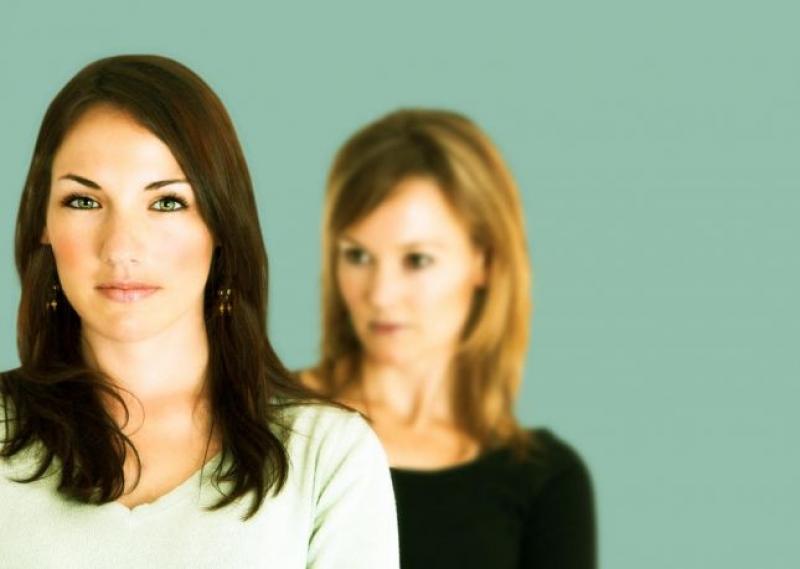 9 نصائح لتتوقفي عن مقارنة نفسك مع نساء أجمل منك