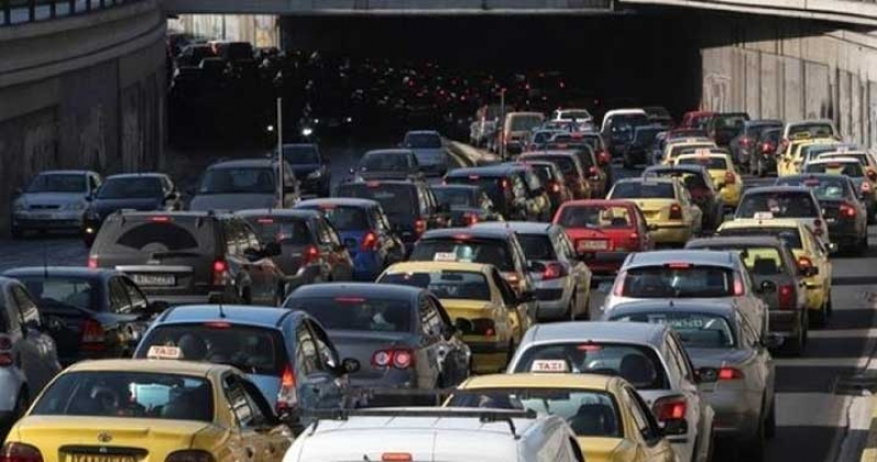 مليار دينار سنويا كلفة أزمة المرور على المواطنين